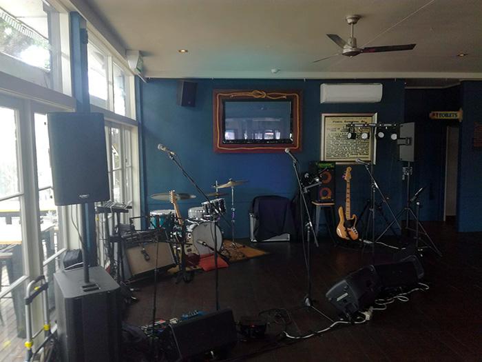 live-sound-auckland_stage-setup3